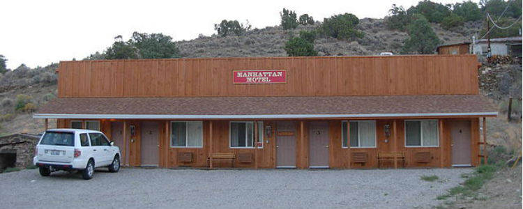 Manhattan Nevada Bar & Motel